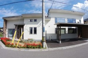 亀ケ崎の家